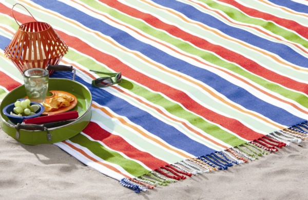 tag Summer Sizzle Fringed Picnic Mat