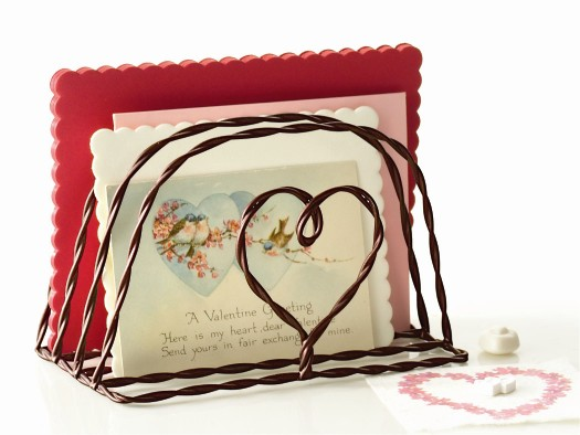 tag Heart Twisted Wire Letter Holder