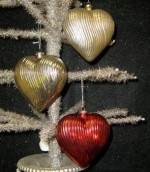 KD Vintage Wavy Red Mercury Heart Ornament