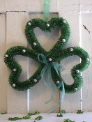 KD Vintage Shamrock Wreath