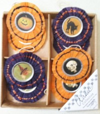 Mini Vintage Image Circle Halloween Ornament Set